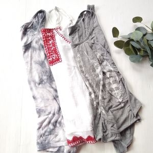 Women's curated tank top bundle size XS